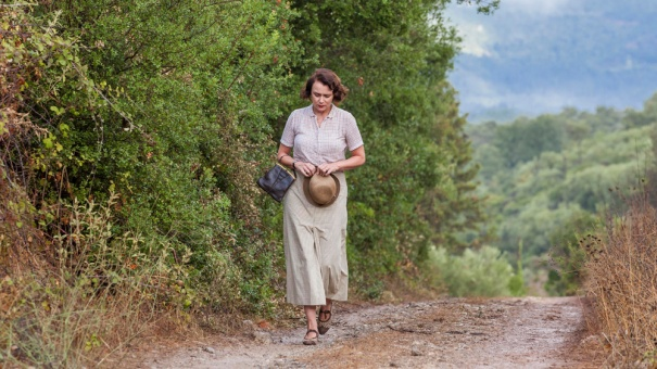 the_durrells_ep1_07